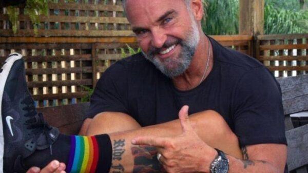 apos-polemica,-mateus-carrieri-revela-que-filhas-sao-bissexuais:-'assunto-muito-importante'