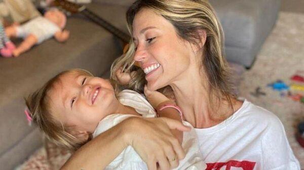 juliana-didone-emociona-ao-escrever-carta-aberta-para-a-filha:-'engrandece-minha-alma,-me-aprofunda'