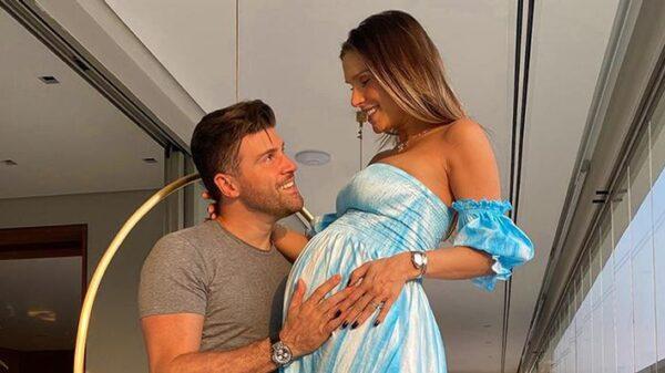 flavia-viana-mostra-fotos-do-nascimento-do-filho,-gabriel