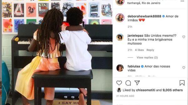 mae-de-giovanna-ewbank-flagra-os-netos-em-momento-de-fofura-enquanto-tocam-piano