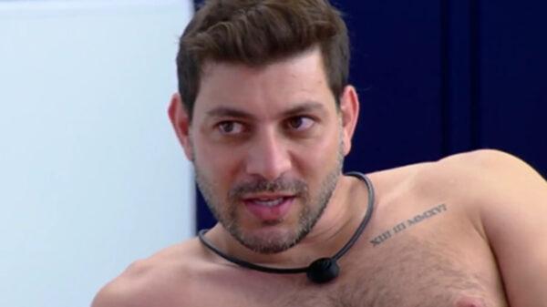 Caio fala de Gilberto no BBB21