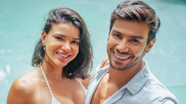 Jakelyne Oliveira e Mariano protagonizaram uma cena de romance. Foto: Reprodução/Instagram.