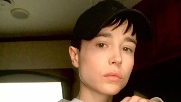 Elliot Page surge sem camisa após cirurgia