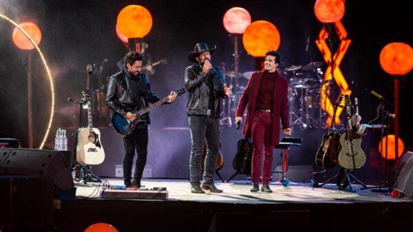 Fernando, Sorocaba e Luan Santana na live O Início - Crédito: Gabriel Silva