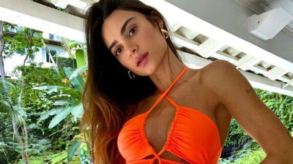 Thaila Ayala faz mergulho. Foto: Reprodução/Instagram
