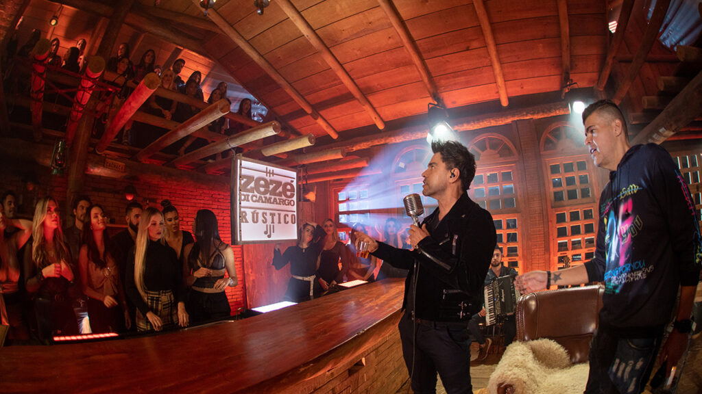 Zezé Di Camargo grava o projeto solo chamado 'Rústico' - Crédito: Flaney