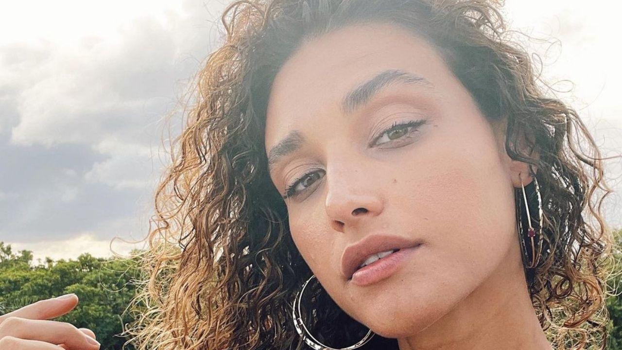 Em cenário paradisíaco, Débora Nascimento faz reflexão sobre a vida. Foto: Reprodução/Instagram