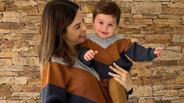 Sthefany Brito posta novas fotos do filho e diverte a web . Foto: reprodução/Instagram