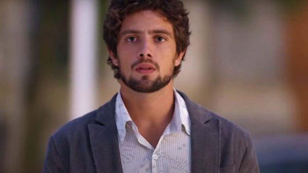 Rodrigo (Rafael Cardoso) em A Vida da Gente - Crédito: Reprodução / Globo