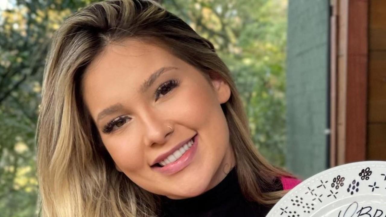 Virginia Fonseca assume que fez lipo sem necessidade