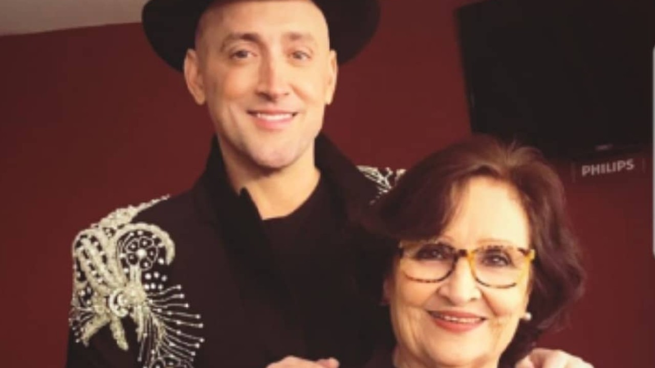 Mãe de Paulo Gustavo emociona ao falar sobre os netos: 'Meu filho vive no sorriso deles'
