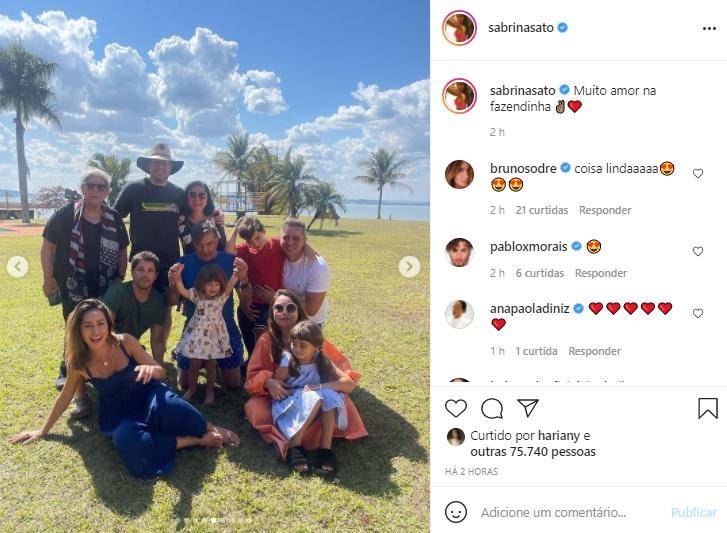 Sabrina Sato mostra novas fotos com a família