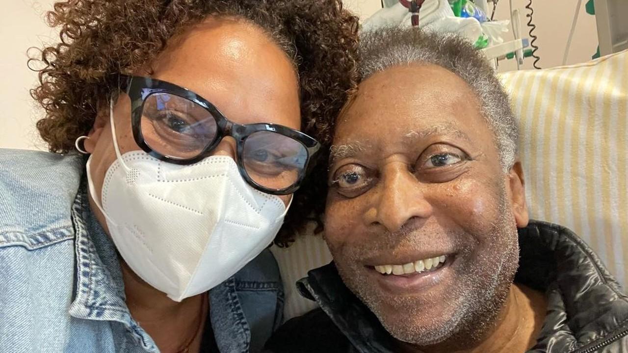 Após cirurgia, filha de Pelé fala sobre recuperação do pai